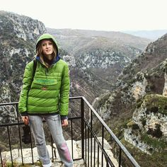 Vikos Gorce - biggest canyon in the world. Location - Greece ✌  #travel #discover #greece #adventure #wild #nature #beauty #landscape #panorama #vikos #canyon #greeklife #zagori #zagorochoria #mysteriousgreece #napapijri