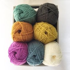 I succumbed to the new Stylecraft colours only Storm & Sage though and tonight I'm gonna start a ripple for me, no one else just me