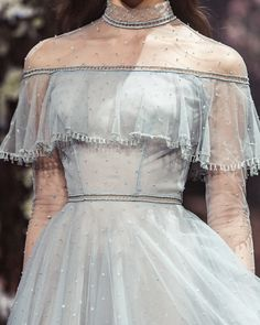 Once Upon a Dream Paolo Sebastian 2018 S/S Couture - About Wedding Style Haute Couture, Couture Fashion, Runway Fashion, High Fashion, Couture Details, Blue Fashion, Daily Fashion, Street Fashion, Vintage Fashion