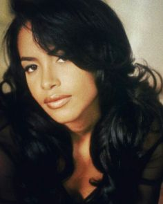 Listen to music from Aaliyah like At Your Best (You Are Love), Are You That Somebody & more. Find the latest tracks, albums, and images from Aaliyah. Rip Aaliyah, Aaliyah Style, Aaliyah Albums, Stacey Dash, Mtv, Aaliyah Pictures, Afro, Tommy Hilfiger Shirt, Looks Hip Hop