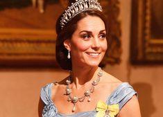 869c48c32dfa Kate Middleton si riprende la scena. E a Buckingham Palace è una regina