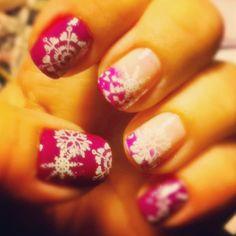 Baby it's cold outsideemojiemojiemojiemoji #christmasnails #cute #christmas #art #beauty #beautiful #bestoftheday #design #dailypic #divanails #fashion #funnails #funkynails #g #girly #goderich #gricellsfunkynails #instagood #nails #nailart #neger27 #nailmail #nailpolish #naildesigner emojiemoji