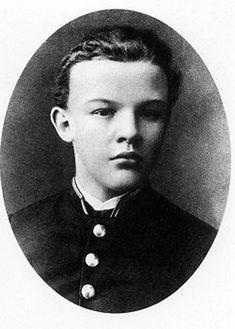"""Lenine"". 1887, aproximadamente. #Vladimir Ilyitch Uliánov."