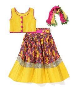 Cute top! Kids Indian Wear, Kids Ethnic Wear, Wedding Dresses For Girls, Little Girl Dresses, Girls Dresses, Frocks For Girls, Kids Frocks, Kids Blouse Designs, Choli Designs