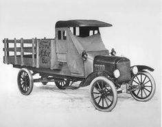 1918 Ford Truck - © Ford Motor Co.