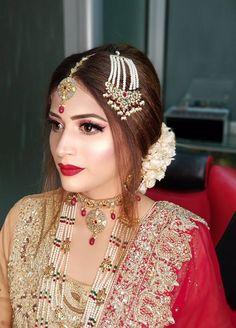 Latest Kurti Styles, Bridle Dress, Bridal Makeover, Asian Bride, Muslim Girls, Pakistani Actress, Pakistani Bridal, Beautiful Gorgeous, Bridal Looks