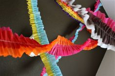 How To: Make Fun Cinco de Mayo Streamers Crepe Paper Streamers, Party Streamers, Streamer Decorations, Easy Decorations, Birthday Decorations, Carnaval Diy, Diy Carnival, Carnival Games, Diy And Crafts