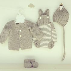 """Cozy baby set ♥  #pontinhosmeus  #katiayarns #knittersofinstagram #knittingaddict #knittingforbaby #knitting_inspiration #knitting #knitstagram…"""