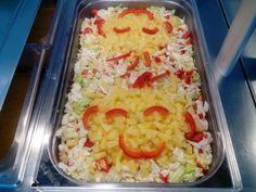 Salaatti valmiina, tervetuloa syömään :-)