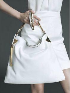 Gucci white handbag x find more women fashion on www.misspool.com