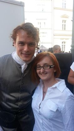 The lovely @SilverxVideos met @SamHeughan, @caitrionambalfe and Duncan. And took a pic with Sam. #LuckyFan