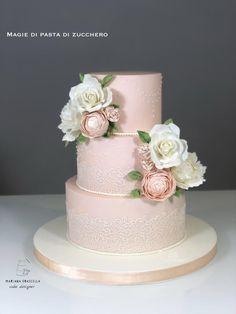 Gorgeous Wedding Cake Fresh Flowers Combo You Will Love – Bridezilla Flowers Wedding Cake Fresh Flowers, Beautiful Wedding Cakes, Beautiful Cakes, Lace Wedding Cakes, Foto Pastel, Pink Birthday Cakes, Cupcake Cakes, Cupcakes, Wedding Cake Inspiration