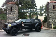 511 tac truck...i believe this has a motorized flip out front door to display their breaching tools on...sick