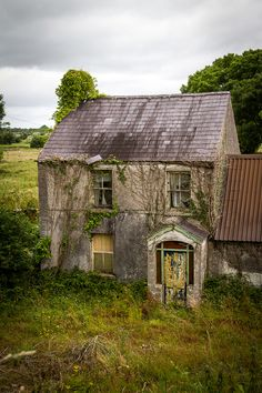 Ireland - Old farmhouse near Athlone, might be some interesting history here but then maybe not