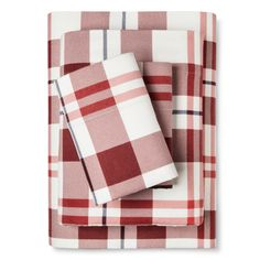 • Soft, cozy flannel<br>• Holiday colors<br>• Deep pockets<br>• 3-piece set<br><br>Perfect for cool weather, Threshold's Flannel Sheets bring a warm, snuggly feel to your bedding. They're also breathable, easy to care for and each set includes a fitted sheet, pillowcase and flat sheet.