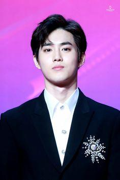 Suho - 171201 2017 Mnet Asian Music Awards in Hong Kong Credit: JjalLang. Chanyeol, Kai Exo, Kyungsoo, Exo Korean, Korean Boy, Got7, Kris Wu, 2ne1, K Pop