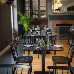 restaurant viande opens at the grande roche Chicken Liver Pate, Roast Chicken, Roasted Cabbage, Fish Pie, Bar, Ice Cream Recipes, Sweet Bread, Pate Recipes, Gin Recipes
