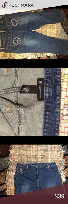 INC ~ size 16 W Super cute EUC Bling pocket INC jeans. Very new condition INC Jeans Straight Leg
