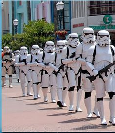 Star Wars Weekend Touring and Photo Tips to help make your experience even more out-of-this-world! | Focused on the Magic