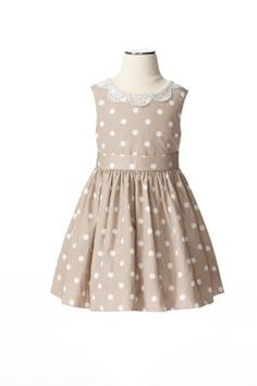Cannot wait for the Neiman Marcus-Target collaboration coming out next month! For little girls who like to twirl: Jason Wu Girls' Printed Dress in the Neiman Marcus + Target collection. Fashion Kids, Baby Girl Fashion, Fast Fashion, Little Girl Dresses, Girls Dresses, Flower Girl Dresses, Prom Dresses, Jason Wu, Neiman Marcus
