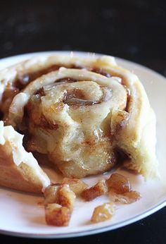 apple pie cinnamon rolls.