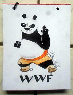 Po, do Kung fu Panda, no logo da WWF   E se os animais das logos fossem substituídos por personagens animais famosos? Tem alguma sugestão? Manda aí!