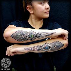 Tribal Band Tattoo, Tribal Sleeve Tattoos, Gold Tattoo, Star Tattoos, Body Art Tattoos, Tattoo Drawings, Hand Tattoos, Tatoos, Tribal Forearm Tattoos