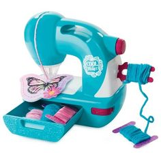 Cool Maker - Sew N' Style Sewing Machine with Pom-Pom Maker Attachment (Edition May Vary), 11 Sewing Projects For Kids, Sewing For Kids, Crafts For Kids, Sewing Kit, Sewing Toys, Cool Maker, Diy Sewing Table, Sewing Room Storage, Baby Doll Accessories
