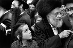 Abbas - ISRAEL. Jerusalem. Young and old Hassidic Jews.