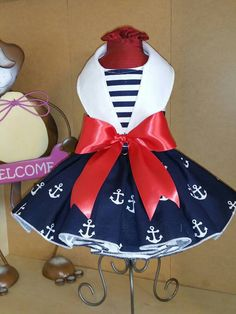 Anchors Away Dog Dress von digginitdesigns on Etsy - Hundebekleidung Pet Fashion, Animal Fashion, Puppy Clothes, Doll Clothes, Costume Chien, Dog Clothes Patterns, Girl And Dog, Boy Dog, Dog Pattern