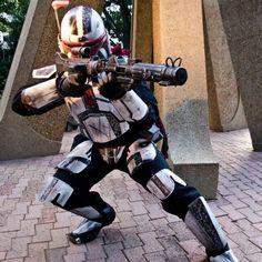 Ba'kuri - Naast Clan Star Wars Fett, Star Wars Rpg, Mandalorian Costume, Mandalorian Armor, Star Wars Planets, Star Wars Painting, Star Wars Concept Art, Cosplay Armor, Star Wars Costumes