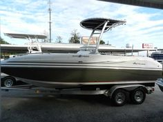 Hurricane SunDeck Sport 211 with T-Top - Holiday Marine
