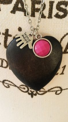 Chain necklace with a black wooden heart pendant and di Monanique