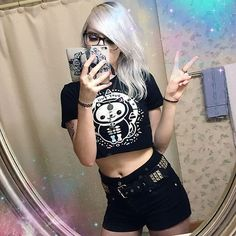 cute grunge outfit with creepy cute black crop top and black shorts Cute Grunge Outfits, Creepy Cute, Character Outfits, Black Crop Tops, Grunge Fashion, Black Shorts, Fashion Photo, Outfit Ideas, Kawaii