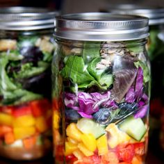 Rainbow Protein-Packed Salad // 18 Mason Jar Salads That Make Perfect Healthy Lunches. This might be the lazy proof health food boost I need. Healthy Habits, Healthy Choices, Healthy Life, Healthy Snacks, Healthy Living, Healthy Recipes, Salad Recipes, Jar Recipes, Simple Recipes
