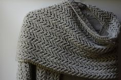 STOLL - knit and wear technology. Seamless shaping and construction. Knitting Stitches, Knitting Yarn, Baby Knitting, Knitting Patterns, Knitted Shawls, Crochet Scarves, Knit Or Crochet, Double Crochet, Knit Wrap