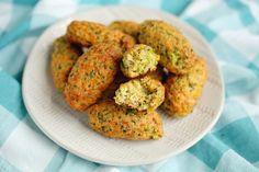 Cheesy Green Giant Broccoli Tot Bites - Kitchen Divas Broccoli Bites, Broccoli And Cheese, Veggie Tots Recipe, Healthy Veggie Snacks, Pumpkin Delight Dessert Recipe, Green Giant Veggie Tots, Zucchini Tater Tots, Potato Skins