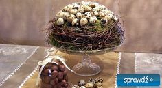 Wielkanocne dekoracje - krok po kroku - Deccoria.pl Grapevine Wreath, Grape Vines, Plant Hanger, Easter, Wreaths, Plants, Decor, Decoration, Door Wreaths