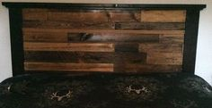 DIY Pallet Headboard - Full Plans & Tips @   http://www.lipstickandlumber.com/fwc/diy-projects/