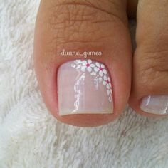 Nail art Christmas - the festive spirit on the nails. Over 70 creative ideas and tutorials - My Nails Pretty Toe Nails, Cute Toe Nails, Fancy Nails, My Nails, Colorful Nail Designs, Toe Nail Designs, Flower Pedicure Designs, Pedicure Nail Art, Toe Nail Art