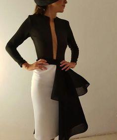 Querido robertodiz, voy a morir de un ataque de amor con tus diseños! Elegant Outfit, Elegant Dresses, Classy Outfits, Beautiful Outfits, Chic Dress, Dress Up, Style Feminin, Tango Dress, Mode Editorials