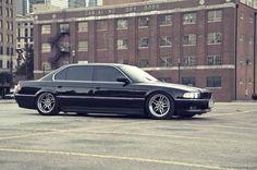 BMW E38 740iL [x]