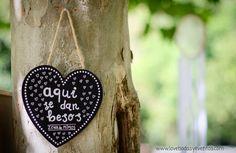 En LOVE, somos expertas en organización y coordinación de bodas y eventos. Además de ofreceros otros servicios, como diseño y decoración, invitaciones, candybars, sitting plans, detalles y regalos, etc.  +info: hola@lovebodasyeventos.com  LOVE #love #amor #happy #handmade #friends #inspiration #monday #besos #kiss #kisses #detalles #chalk #wedding #work #weddingplanner #deco #decor #design #diseño #destinationwedding #destinationweddingplanner #Cádiz #mint #chocolate #candybar