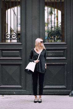Bucket bag & dark clothes