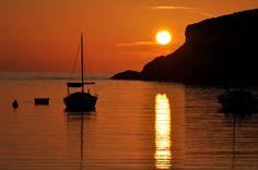 ¡¡ MÁNDAME UNA POSTAL !!: EXISTE OTRA IBIZA: LA ISLA DE LA CALMA ¿Planificamos una escapada? Ibiza Sunset, Celestial, Outdoor, Elopements, Sunsets, Islands, Viajes, Outdoors, Outdoor Games