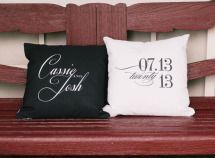 Decor | Elegant accent pillows