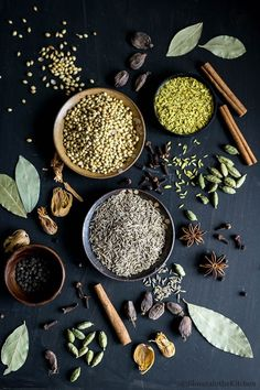Punjabi Garam Masala is a flavor packed Indian spice powder that is made by dry roasting and then grinding few of the whole Indian spice. Chicken Tikka Masala, Spice Blends, Spice Mixes, Punjabi Garam Masala Recipe, Spices Packaging, Masala Spice, Punjabi Food, Spiced Coffee, Homemade Spices