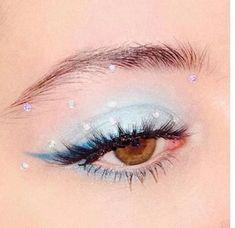 is eyeshadow makeup makeup yang bagus eye makeup makeup smokey eyes makeup simple makeup everyday makeup price in makeup Artist Makeup, Makeup Eye Looks, Creative Makeup Looks, Eye Makeup Art, Natural Eye Makeup, Cute Makeup, Pretty Makeup, Skin Makeup, Eyeshadow Makeup
