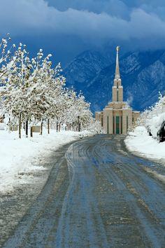 Oquirrh Mountain Temple, South Jordan, Utah via Bill Dunford -