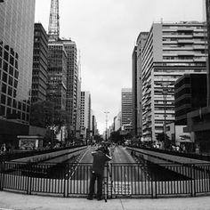 Nos anos 20, ela teve seu nome mudado para avenida Carlos de Campos.   25 fotos que são uma declaração de amor à avenida Paulista